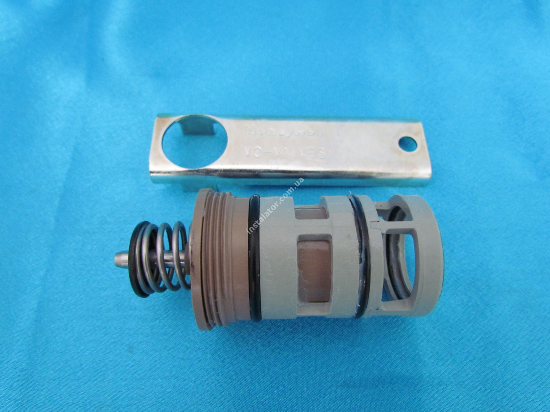 280333 Картридж (патрон) 3-х ходового клапана (22мм) Honeywell VCZZ6000/U full-image-0