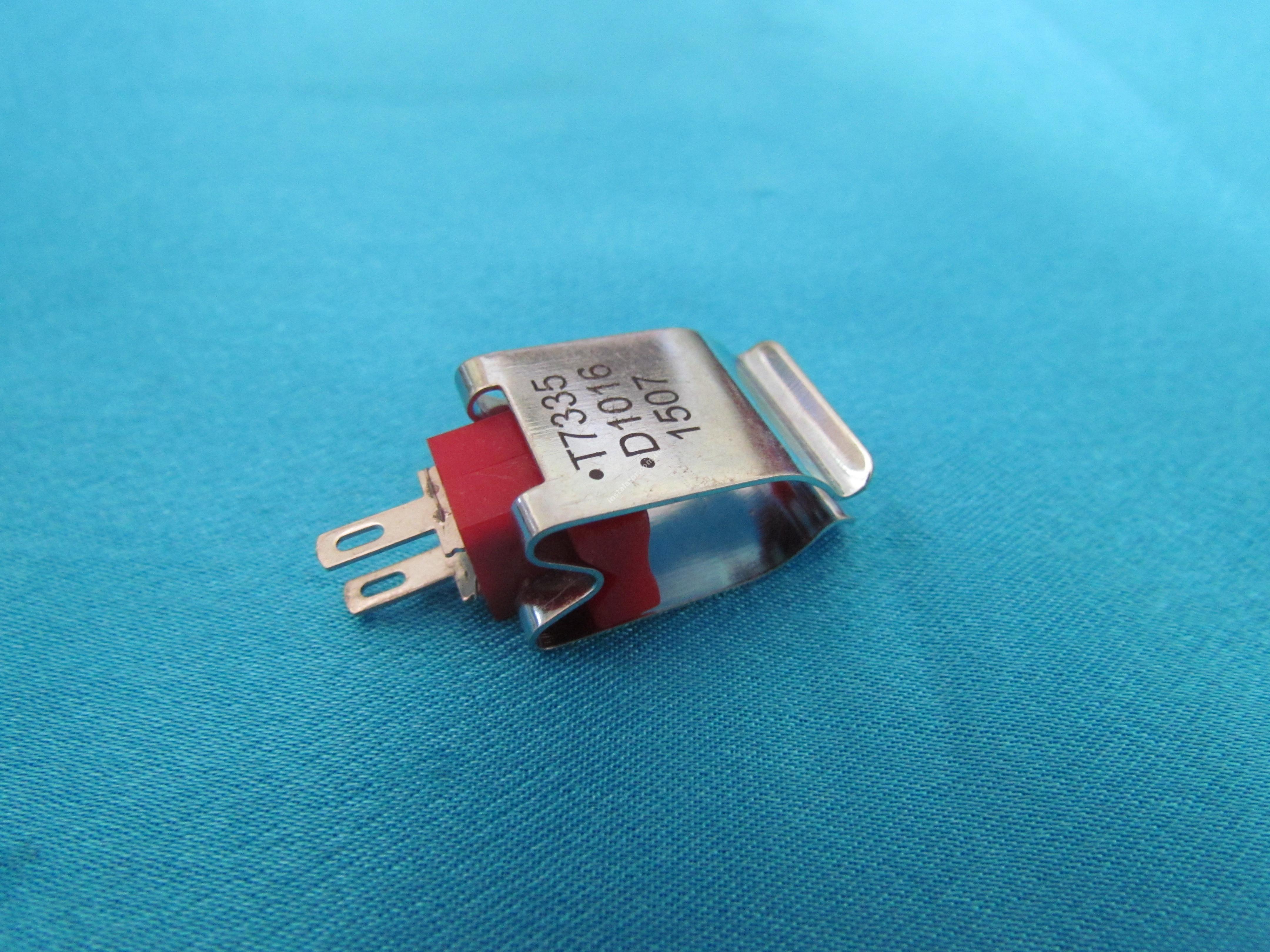 39810220 ( T7335 D1016 ) Датчик температури (зонд NTC) накладний
