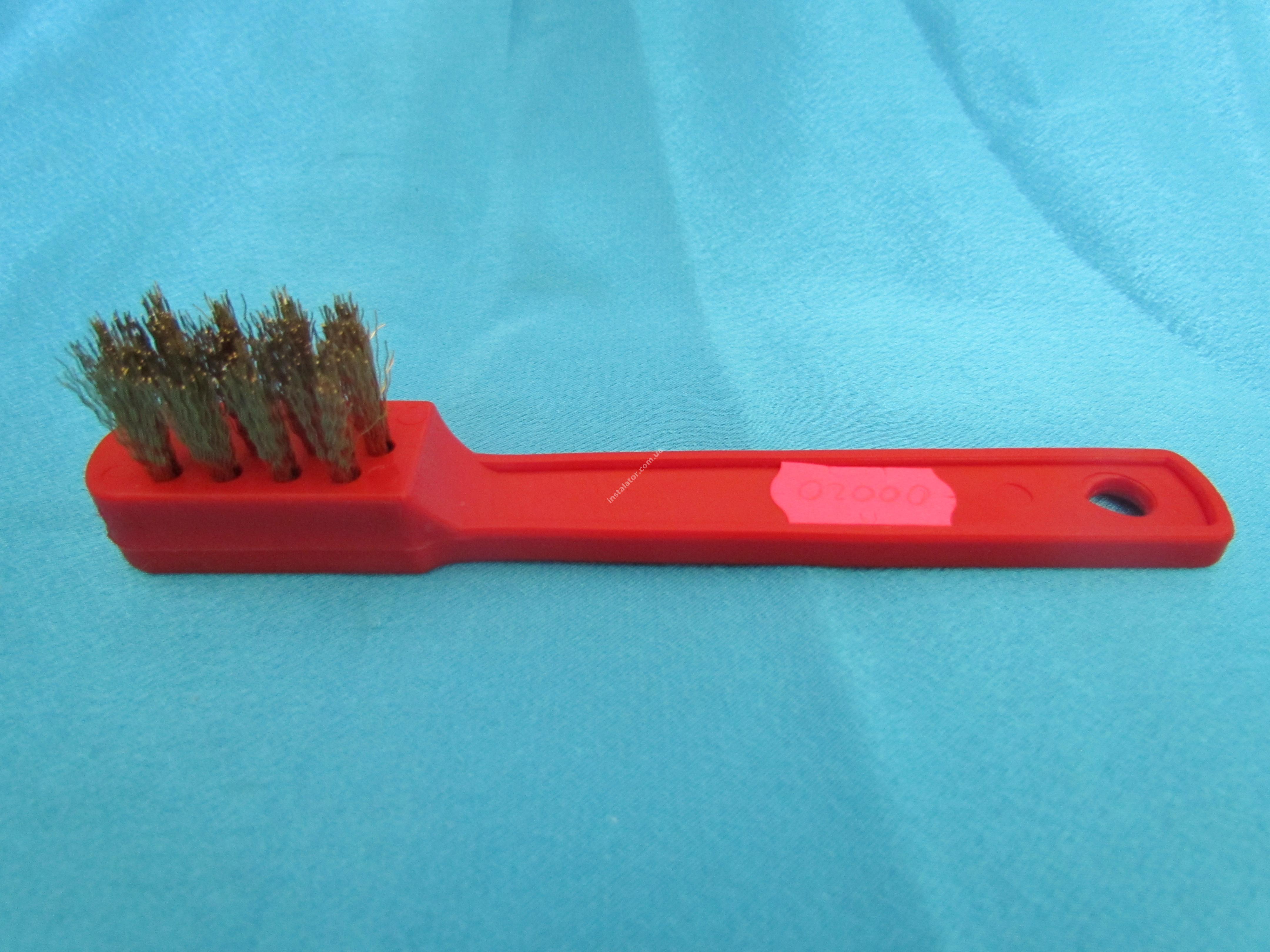 00020 Щітка для чистки 3-х ходових клапанів, пальників (метал)