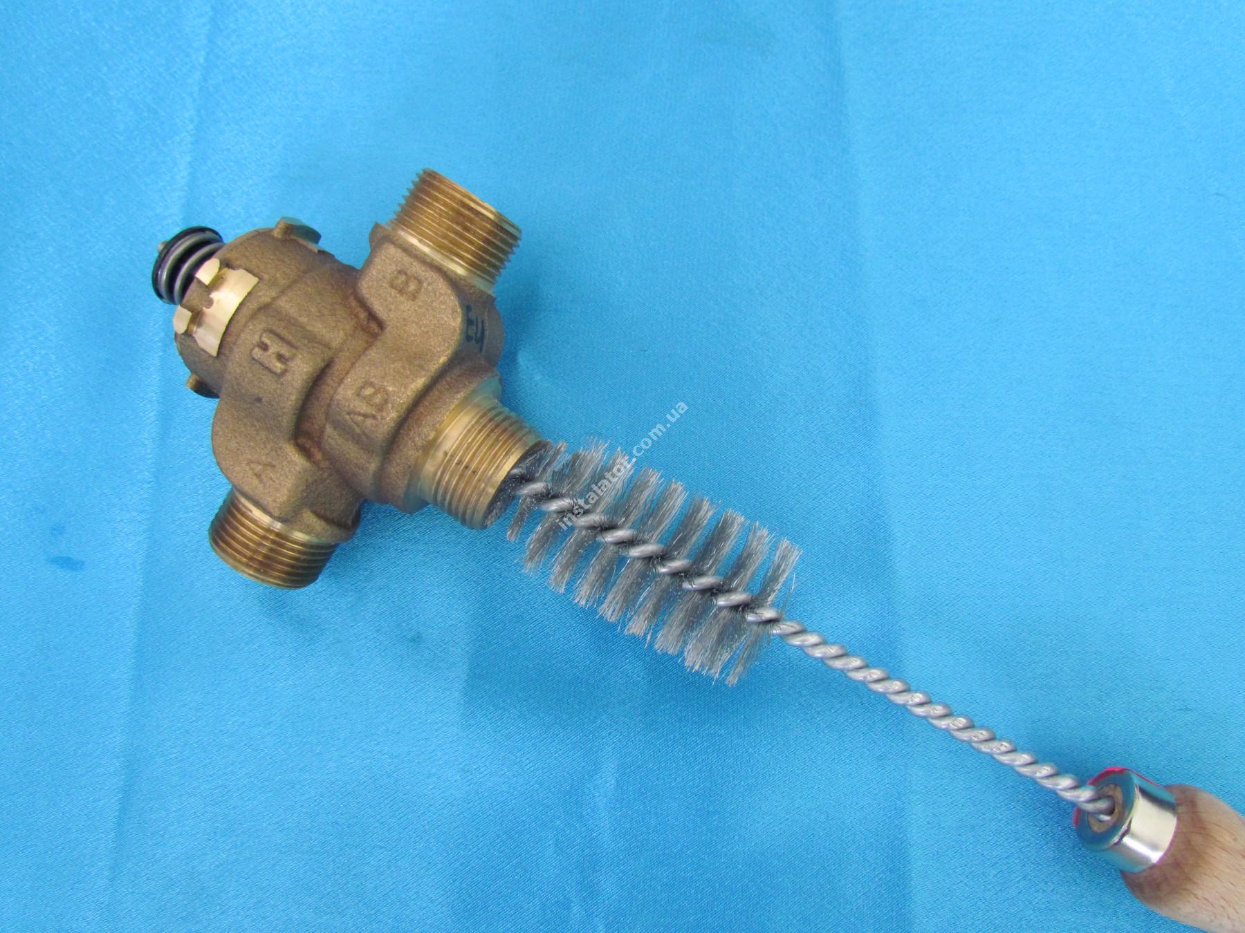 000201 Щітка для чистки 3-х ходового клапана d20-34 full-image-2