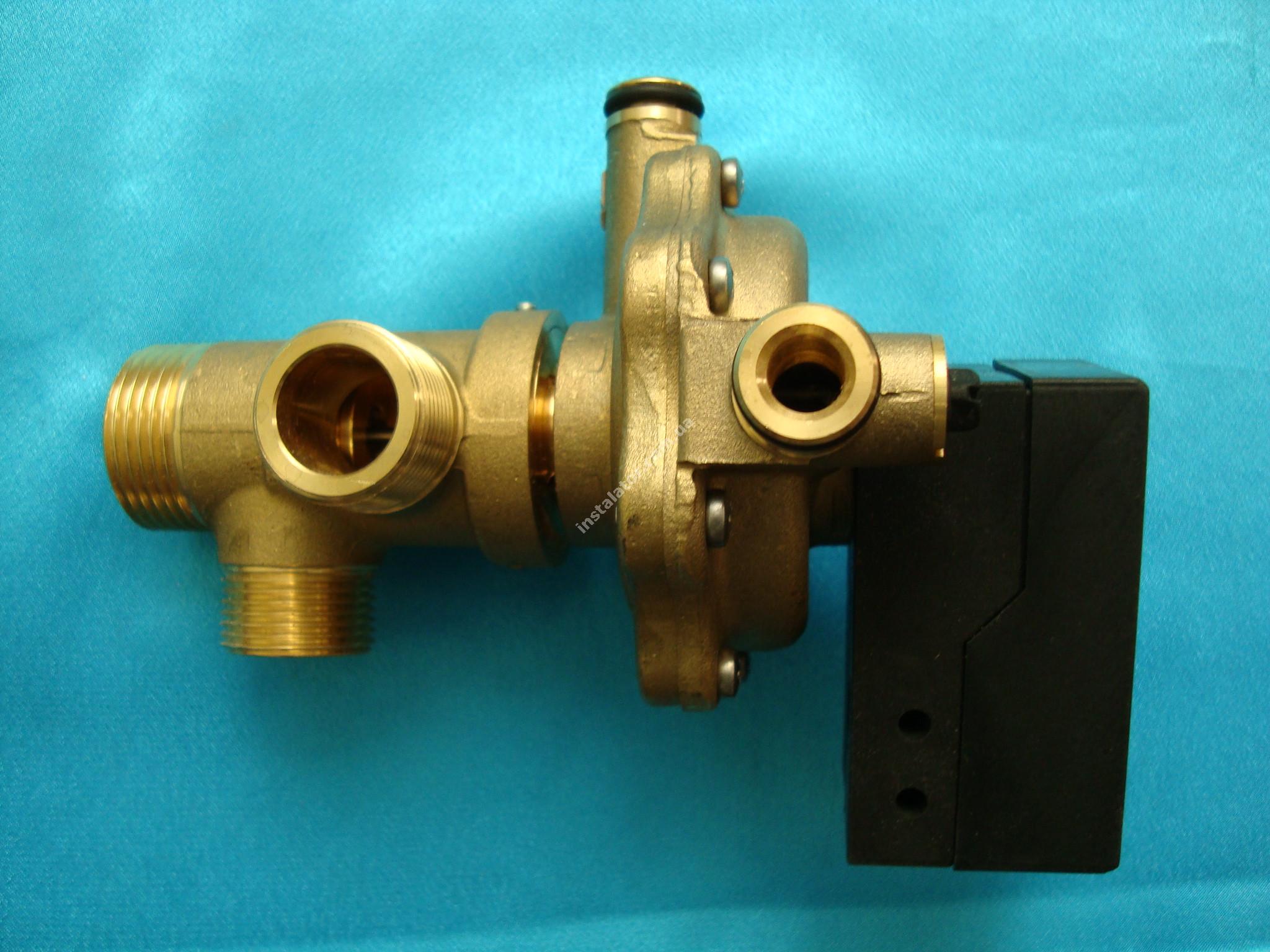21002478 3-х ходовий клапан Micra2 взборі (квітка)